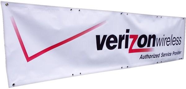 Mesh-Banner mit Ösen und Saum