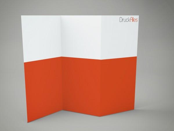 Faltblatt, gefalzt auf Quadrat 100 x 100 mm, 8-seiter (Zickzackfalz)